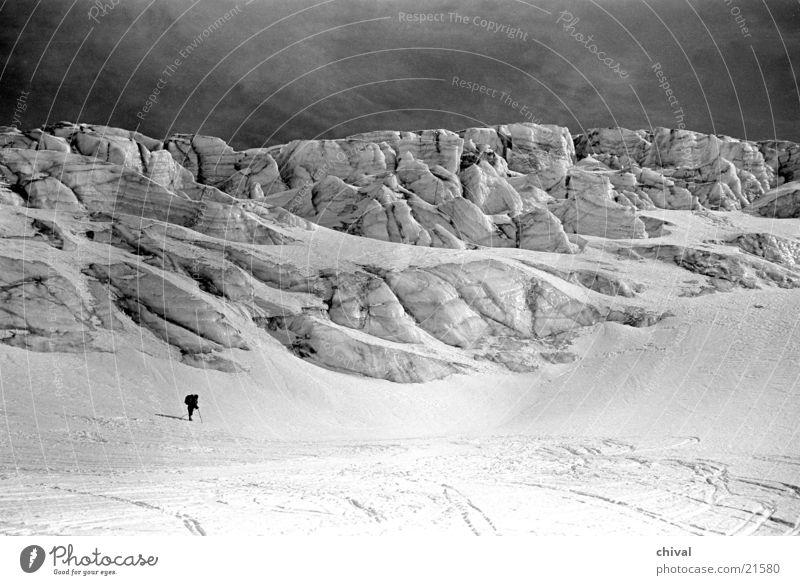 Gletscherabbruch Berge u. Gebirge Eis Schnee Mensch staunen