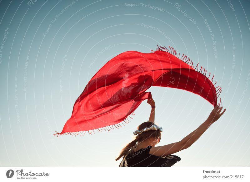 hippiesk Frau Mensch Jugendliche rot Freude feminin Stil träumen Zufriedenheit Erwachsene Wind elegant Lifestyle retro