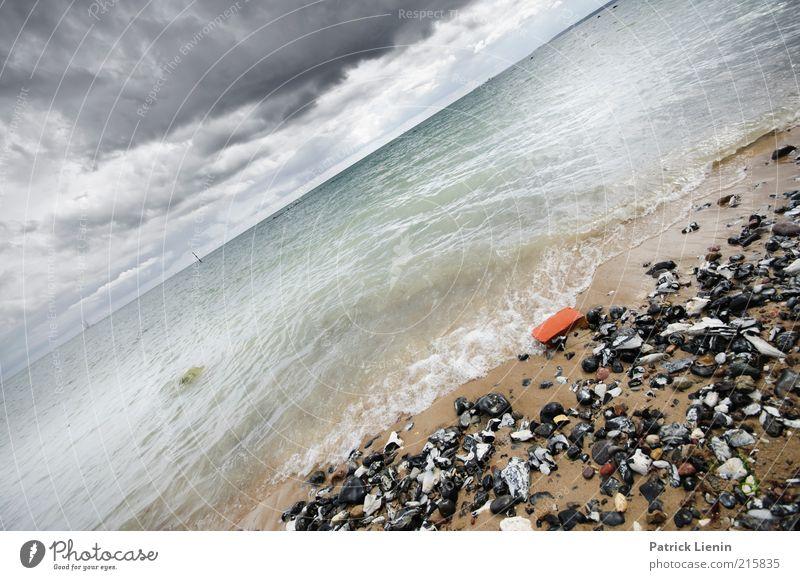 ein bisschen schräg Natur Wasser Himmel Meer Strand Wolken Ferne Stein Sand Regen Landschaft Luft Stimmung Küste Wellen Wind