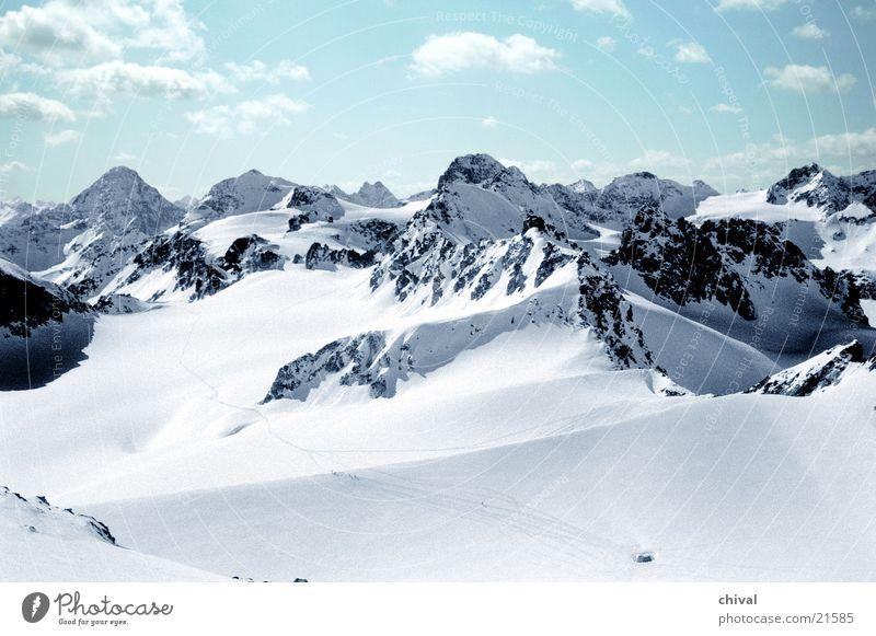 Silvretta 1 Panorama (Aussicht) Skifahrer Skitour Gletscher Wolken Berge u. Gebirge Alpen Piz Buin Himmel Sonne groß