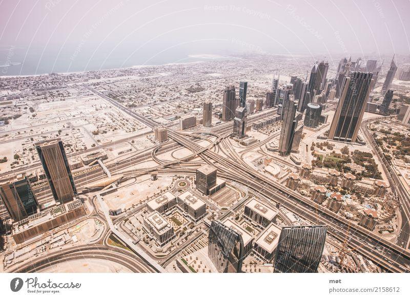 Dubai von oben Sommer Schönes Wetter Vereinigte Arabische Emirate Asien Stadt Hauptstadt bevölkert Haus Hochhaus Bankgebäude Architektur trocken Wärme Farbfoto