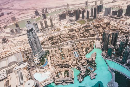Dubai von oben II Stadt Wärme Architektur Hochhaus Schönes Wetter Sehenswürdigkeit trocken Hauptstadt Asien Wüste heiß Bankgebäude Dürre bevölkert