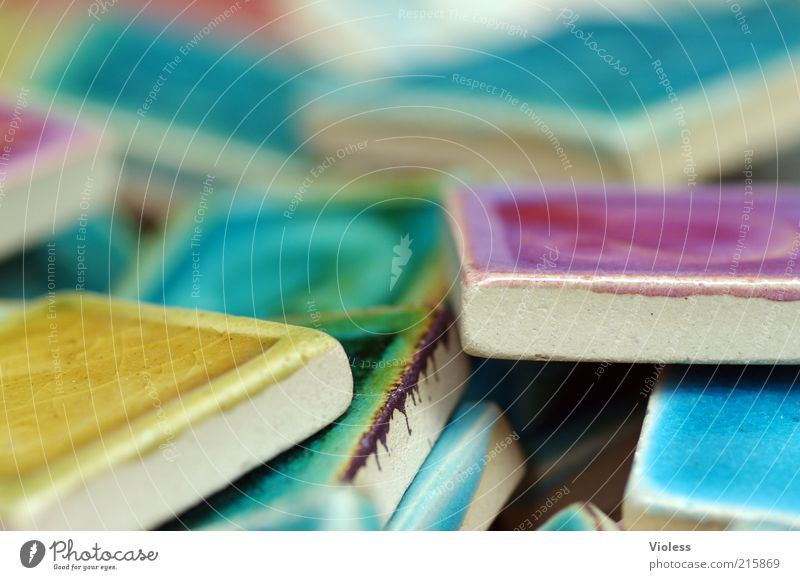 [HH10.1] Es geht auch bunt Dekoration & Verzierung Sammlung Ornament Kitsch mehrfarbig Fliesen u. Kacheln Makroaufnahme Unschärfe Keramik klein mehrere viele