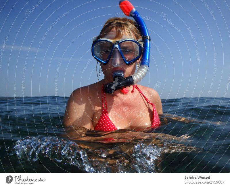 Urlaub sportlich Fitness Schwimmen & Baden Ferien & Urlaub & Reisen Tourismus Freiheit Sommer Sommerurlaub Strand Meer Insel Wellen feminin 1 Mensch 30-45 Jahre