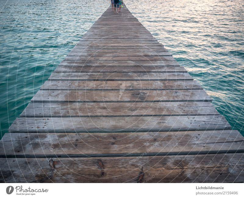 Wasserweg 2 Mensch Natur Ferien & Urlaub & Reisen Sommer Landschaft Meer Strand Wärme Umwelt Beine Küste Holz Fuß Menschengruppe Schwimmen & Baden