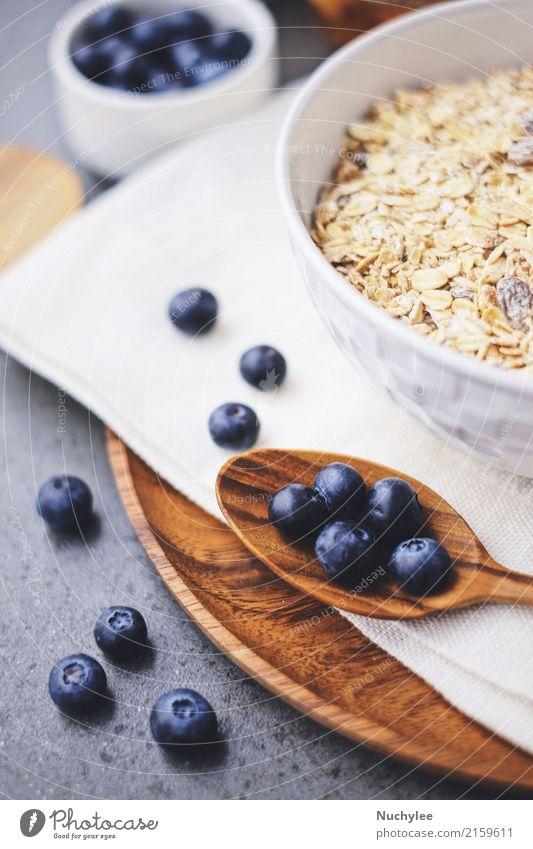 organische frische Blaubeere und Getreide Gesunde Ernährung weiß natürlich Holz Frucht Papier lecker Bioprodukte Frühstück Beeren Schalen & Schüsseln Mahlzeit