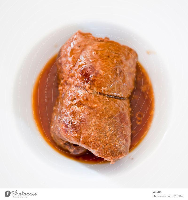 mittag - guten appetit Lebensmittel Fleisch Ernährung Mittagessen Abendessen Festessen Teller lecker Rouladen rinderroulade Saucen Farbfoto Innenaufnahme