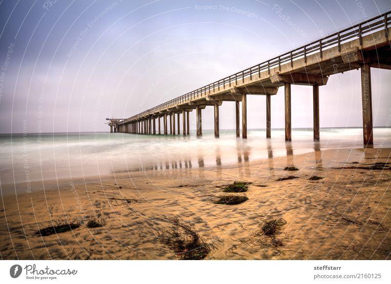 Bewölkter bewölkter Tag über Scripps-Pier Strand in La Jolla Ausflug Sommer Wolken Küste Meer Wege & Pfade blau braun gelb gold Scripps Strand Anlegestelle