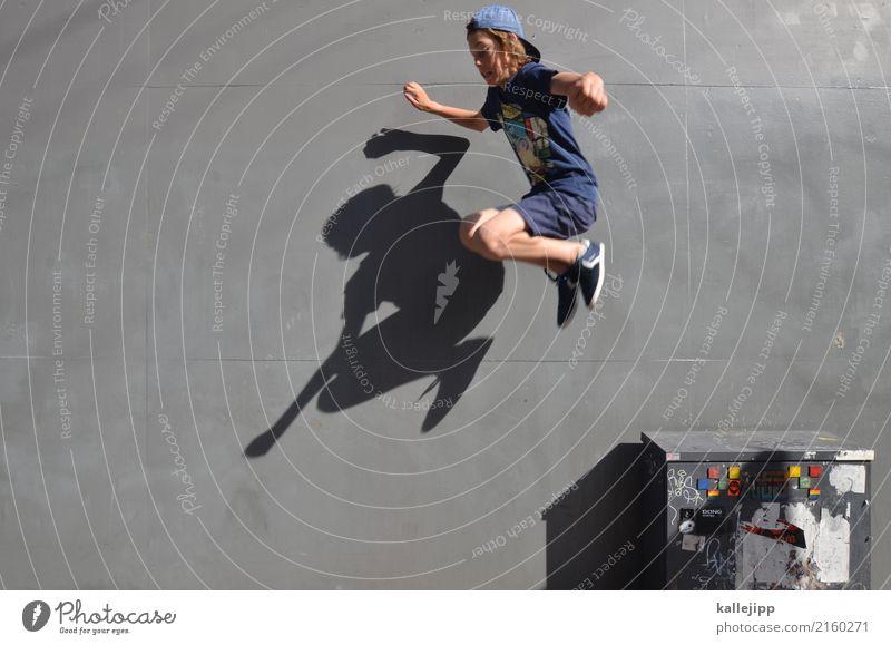 mutprobe Lifestyle Freizeit & Hobby Spielen Mensch Kind Junge Körper 1 8-13 Jahre Kindheit Mauer Wand springen hüpfen Sport Le Parkour Mutprobe Versuch grau