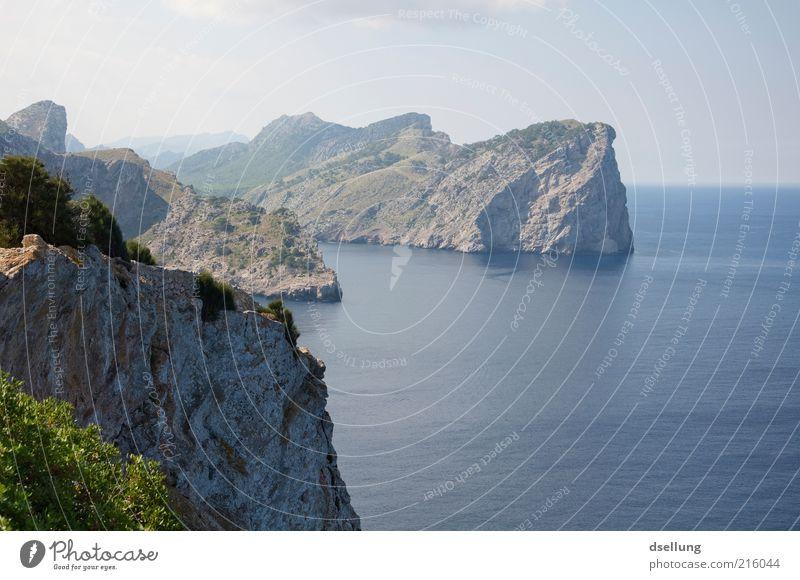 Mallorca VII Umwelt Natur Landschaft Pflanze Urelemente Erde Wasser Himmel Wolken Schönes Wetter Sträucher Felsen Küste Meer Mittelmeer Insel authentisch