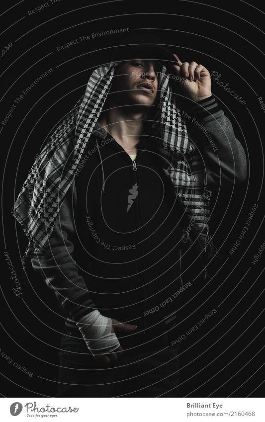 Posen als Rapper Lifestyle Stil Musik Mensch maskulin Junge 1 13-18 Jahre Jugendliche Mode Jacke Schal Mütze Coolness trendy Hochmut Hiphop Sprechgesang