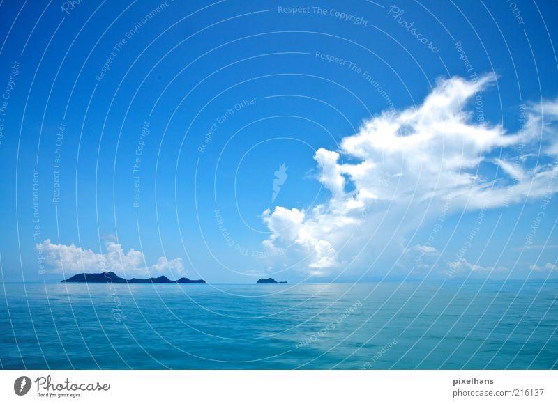 blau, blau und nochmals blau! Wasser Himmel weiß Meer blau Sommer Ferien & Urlaub & Reisen Wolken Ferne Erholung Freiheit Wärme Landschaft Wetter Horizont Ausflug
