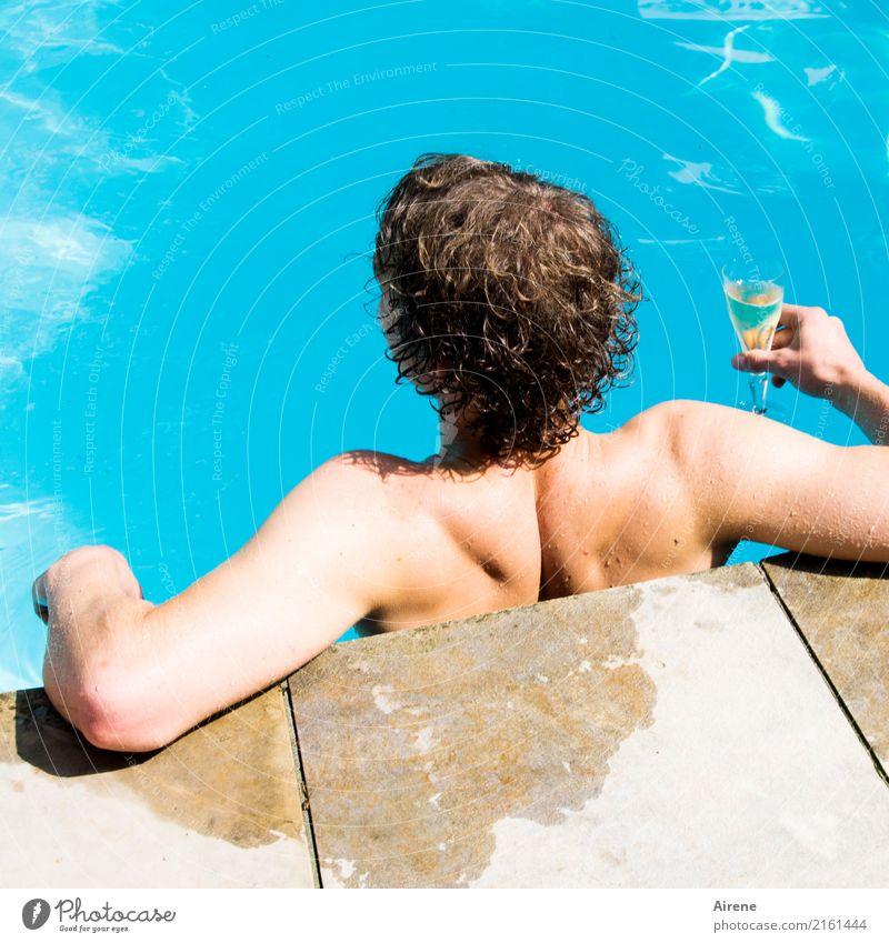 man gönnt sich ja sonst nichts Getränk trinken Sekt Prosecco Champagner Sektglas Reichtum sportlich Wohlgefühl Schwimmen & Baden Ferien & Urlaub & Reisen Sommer