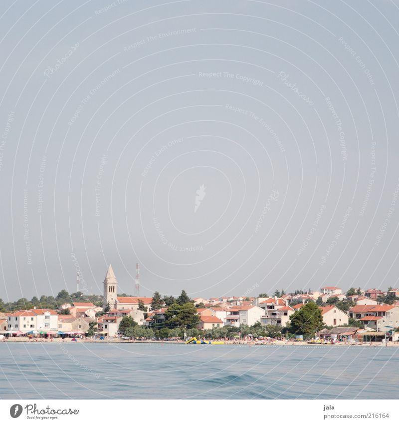 pakoštane Ferien & Urlaub & Reisen Ausflug Meer Himmel Pflanze Baum Küste Stadt Haus Kirche Bauwerk Gebäude blau Kroatien Farbfoto Außenaufnahme