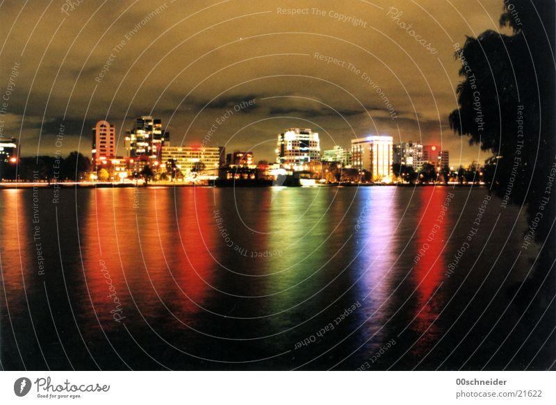 melbourne at night Melbourne Nacht Licht Park Australien Skyline reflektionen Wasser alberts