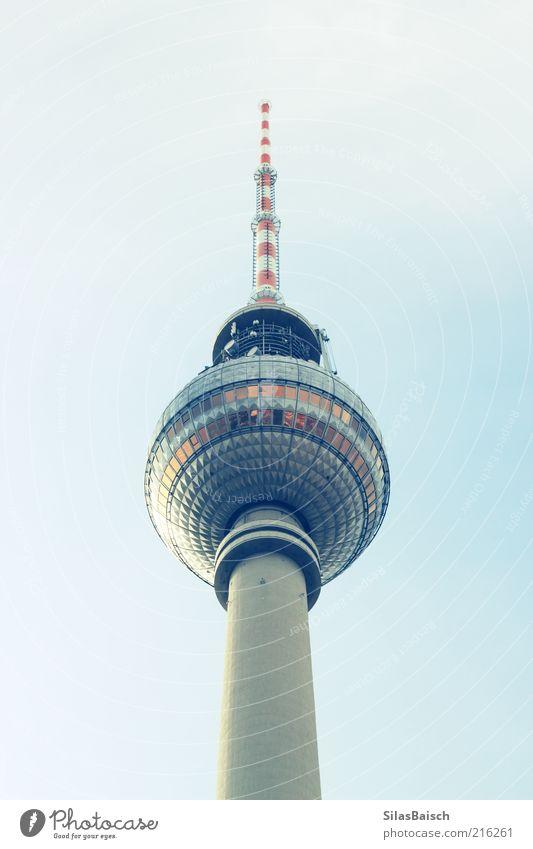 Berlins Kugel Ferien & Urlaub & Reisen Tourismus Ausflug Sightseeing Städtereise Hauptstadt Stadtzentrum Architektur Antenne Satellitenantenne Turm Fernsehturm