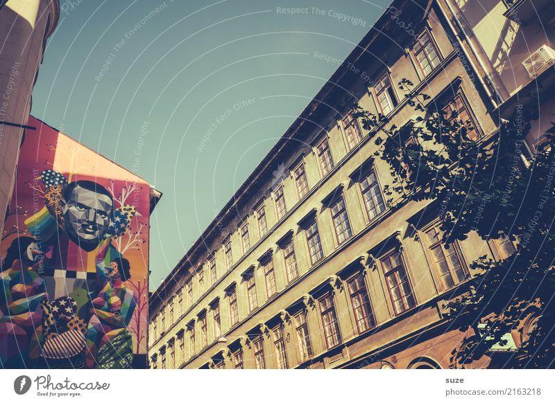 Stadtgestalten Lifestyle Ferien & Urlaub & Reisen Tourismus Sightseeing Städtereise Kunst Kunstwerk Kultur Hauptstadt Stadtrand Altstadt Architektur Graffiti