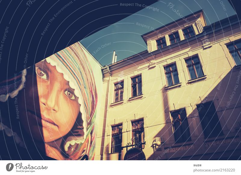 Stadtkind Ferien & Urlaub & Reisen alt Fenster Architektur Lifestyle Graffiti Kunst außergewöhnlich Tourismus Fassade Stadtleben Kultur Europa fantastisch