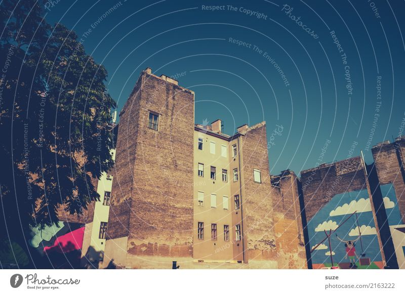 Bejahrtes Viertel Lifestyle Ferien & Urlaub & Reisen Tourismus Sightseeing Städtereise Kunst Kunstwerk Kultur Stadt Hauptstadt Stadtrand Altstadt Architektur