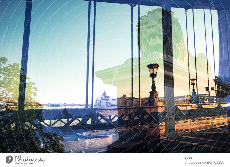 Kulturarena Lifestyle Tourismus Sightseeing Städtereise Kunst Kunstwerk Fluss Stadt Hauptstadt Brücke Bauwerk Architektur Sehenswürdigkeit Wahrzeichen alt