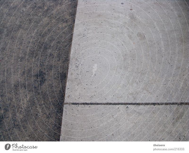schotterpiste Menschenleer Boden Stein Beton stagnierend Symmetrie Außenaufnahme Strukturen & Formen Bordsteinkante Bodenbelag Bürgersteig Schotterweg