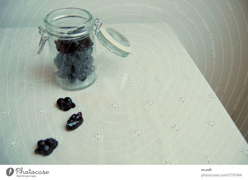 black currant Süßwaren Bonbon Johannisbeeren Glas Einmachglas süß Farbfoto Innenaufnahme Tag offen Menschenleer Tischwäsche