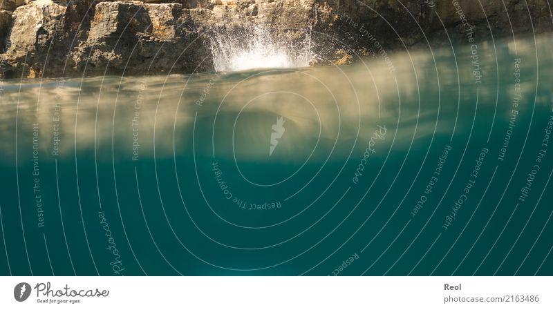 Sprung ins Meer Mittelmeer springen Klippe Felsen Unterwasseraufnahme Wasser Wassertropfen Reflexion & Spiegelung Ferien & Urlaub & Reisen Farbfoto Menschenleer