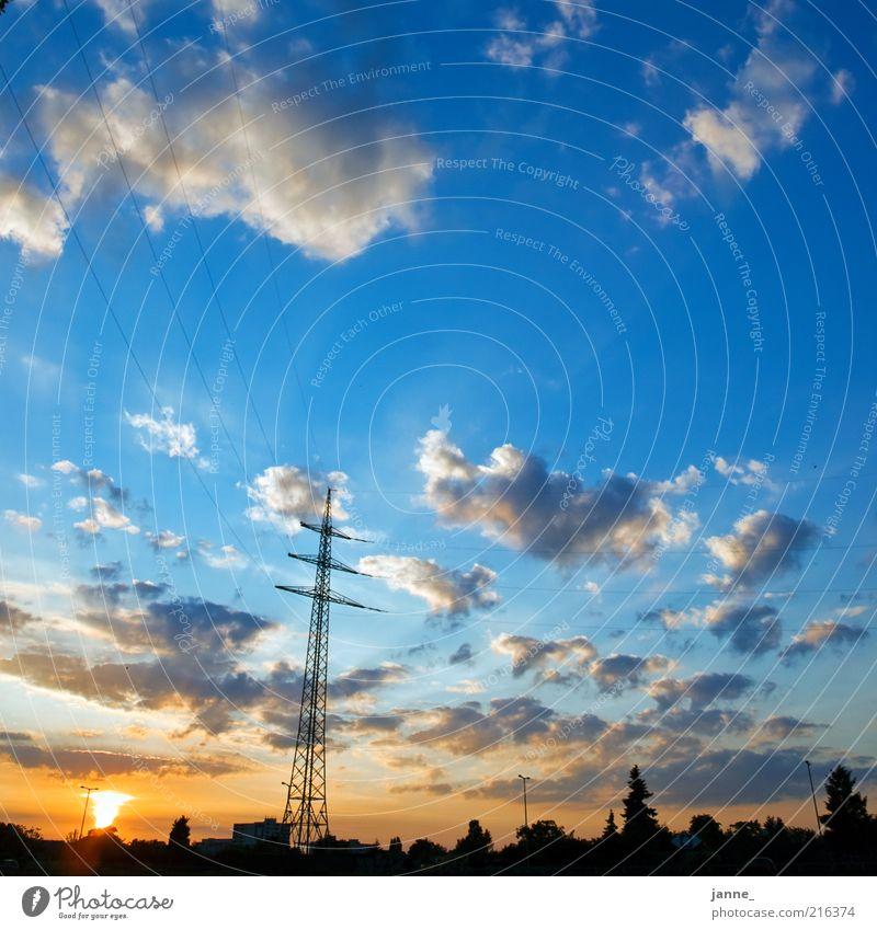 stromperestroika Natur Himmel Sonne Stadt blau Sommer schwarz Wolken gelb Landschaft Wetter Umwelt Energie Horizont Energiewirtschaft Schönes Wetter