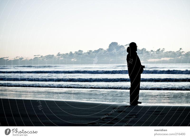 Guten Morgen Planetarium. Mensch Mann Erwachsene 1 Landschaft Himmel Horizont Strand Lebensfreude Macht Mut Tatkraft friedlich Trauer Abenteuer ästhetisch