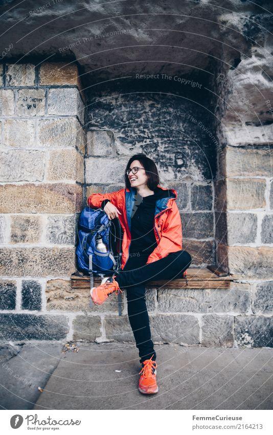 Wandern (08) feminin Junge Frau Jugendliche Erwachsene 1 Mensch 18-30 Jahre 30-45 Jahre Abenteuer Sächsische Schweiz wandern Pause Rucksack Außenaufnahme