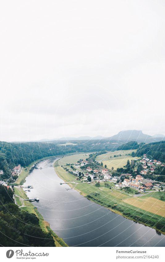 Wandern (14) Natur Sächsische Schweiz wandern Elbe Aussicht Kurort Rathen Luftaufnahme Wasser Dorf Kleinstadt Wolken Fluss Baum Wald Feld Ausflugsziel Farbfoto