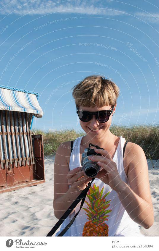 Fotos sichten... Freude Glück Zufriedenheit Erholung Freizeit & Hobby Ferien & Urlaub & Reisen Tourismus Ausflug Sommer Sommerurlaub Strand Fotokamera