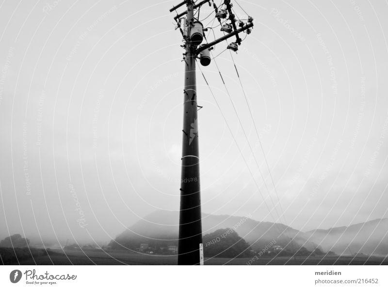 Die Stange Sehenswürdigkeit Stimmung Macht Tatkraft Einsamkeit Energie Kommunizieren Kontrolle Kraft Leistung Netzwerk Sicherheit stagnierend Schwarzweißfoto