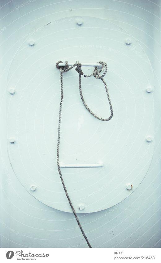 Herr Seiler schweigt Wasserfahrzeug Metall Knoten festhalten hell lustig rund weiß skurril bleich Oval Griff Schraubenmutter Menschenleer Phantasie Schiffstau