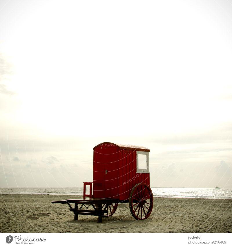 Roter Wagen Himmel Natur Wasser alt Sonne rot Sommer Strand Meer Landschaft Umwelt Horizont Nordsee Camping Anhänger