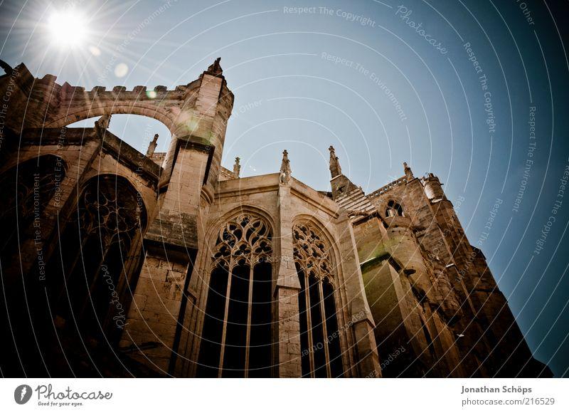 St-Just-et-St-Pasteur de Narbonne I Sonne Wand Architektur Religion & Glaube Mauer Kirche Europa Macht Bauwerk historisch Säule Frankreich Gott Dom