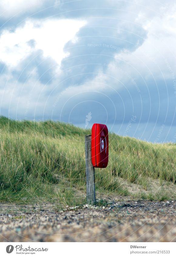 Lebensretter Natur Ferien & Urlaub & Reisen blau grün Sommer rot Landschaft Wolken Ferne Strand Umwelt Gras Küste Freiheit Stein Sand