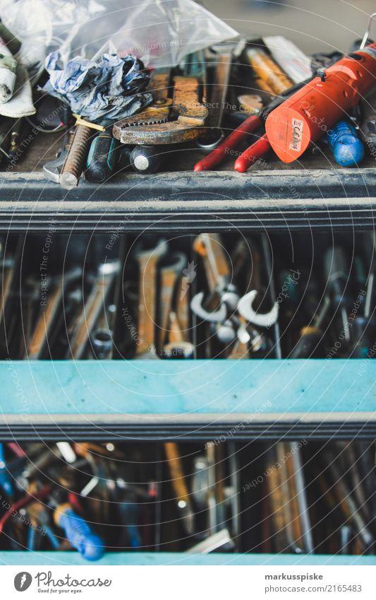 Werkzeugkasten Maul- Ringschlüssel Business Arbeit & Erwerbstätigkeit Freizeit & Hobby Kraft authentisch lernen Industrie Baustelle Team Beruf