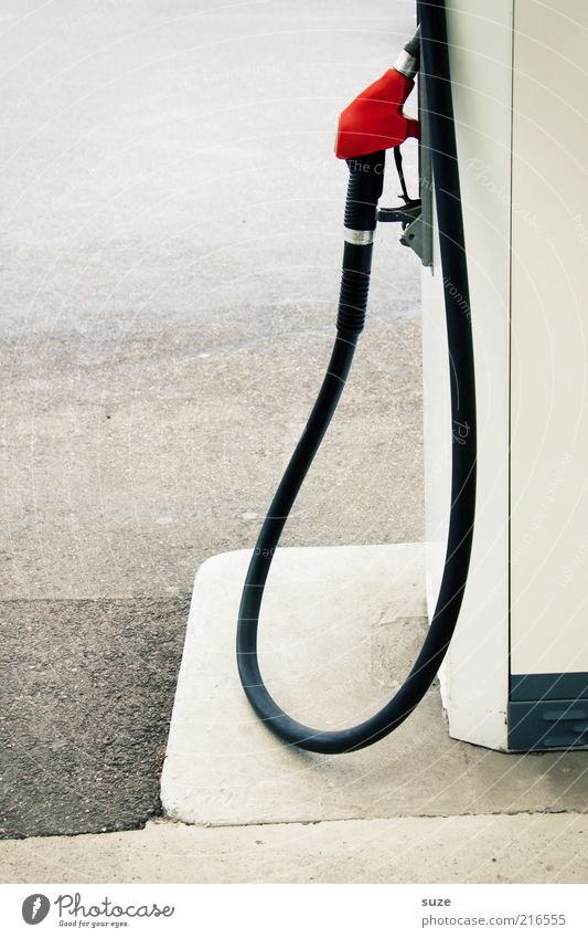 Tankstopp Umwelt Dienstleistungsgewerbe Erdöl Gas Schlauch Benzin Biokraftstoff Tankstelle Brennstoff teuer Rohstoffe & Kraftstoffe Gewerbe Diesel tanken