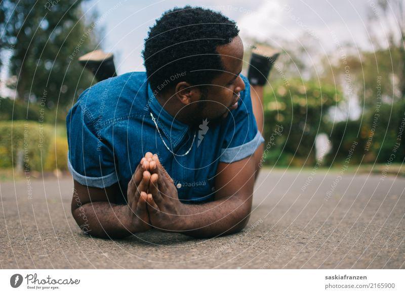 Bruder I. Mensch Jugendliche Mann Junger Mann Hand 18-30 Jahre Gesicht Erwachsene Straße Religion & Glaube Lifestyle Mode Denken Freundschaft maskulin Körper