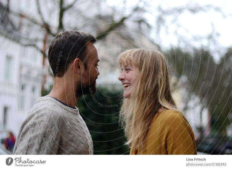 lovelove Mensch Jugendliche schön Freude 18-30 Jahre Erwachsene Liebe lustig Gefühle natürlich lachen Glück Paar Zusammensein Zufriedenheit blond