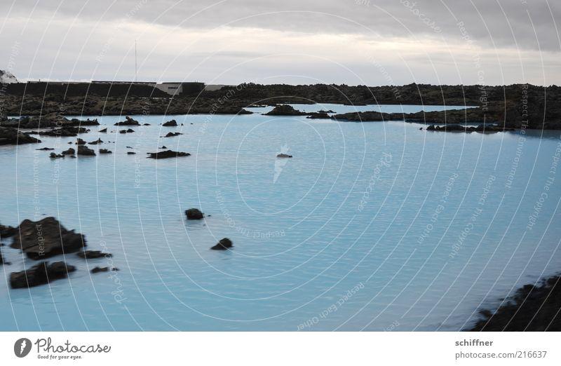 Tendenziell Blau Landschaft Wasser Wolken Felsen See Bekanntheit dunkel blau Reinheit türkis vulkanisch Quelle Geothermik heiß Warmwasser Außenaufnahme trist