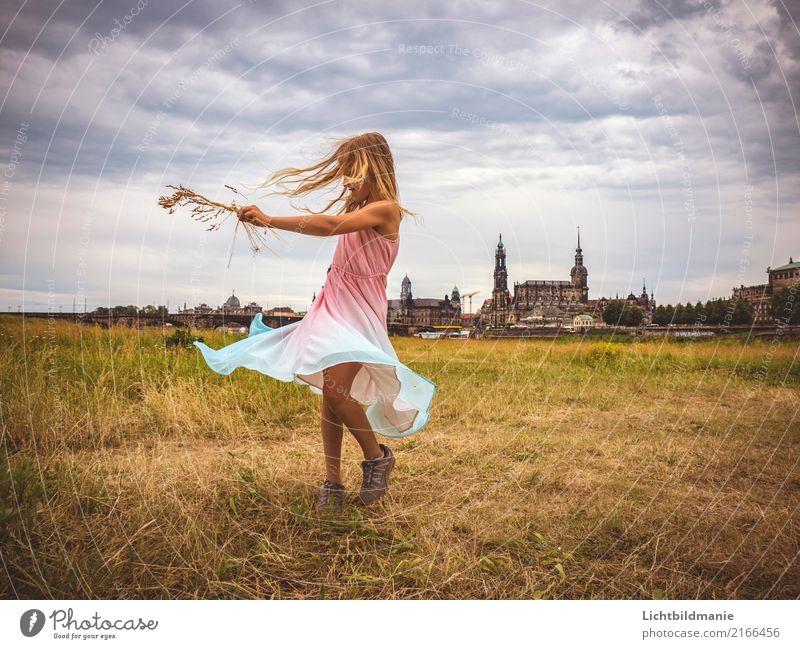 Leben in Dresden Lifestyle Freude Glück Spielen Ferien & Urlaub & Reisen Ausflug Freiheit Tanzen Mensch feminin Kind Mädchen Kindheit Haare & Frisuren 1