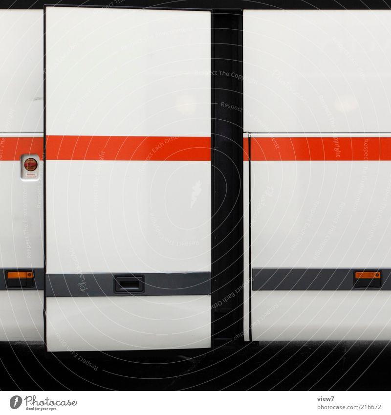 Abfahrt Verkehrsmittel Bus Reisebus Metall Linie Streifen ästhetisch authentisch dünn einfach gut modern schön rot Genauigkeit Ordnung rein Autotür schließen