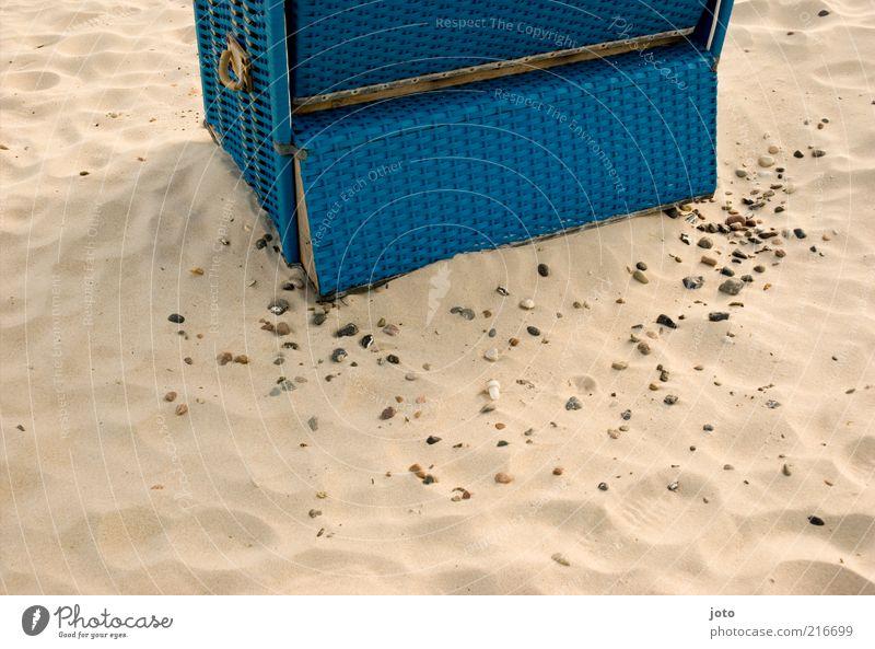 mein Strandplätzchen Natur blau Ferien & Urlaub & Reisen Sommer Strand ruhig Erholung Sand Stein Freizeit & Hobby Pause Sommerurlaub Ruhestand Strandkorb Bildausschnitt Anschnitt