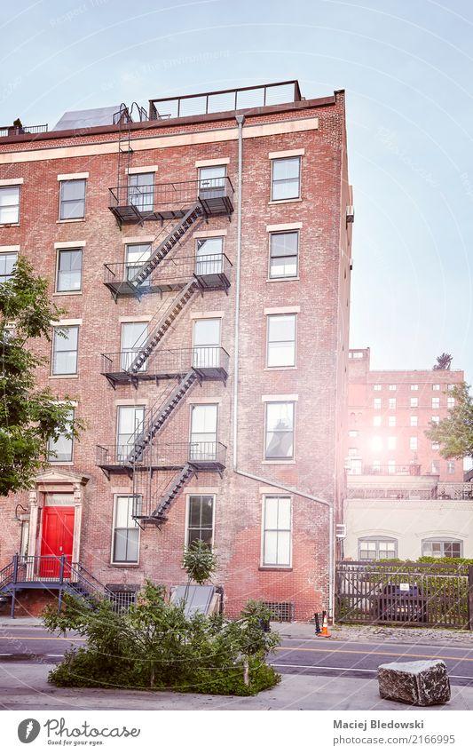 leere stra e in new york city bei sonnenuntergang ein lizenzfreies stock foto von photocase. Black Bedroom Furniture Sets. Home Design Ideas
