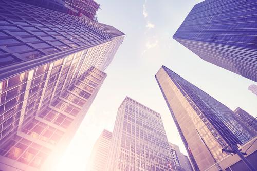 Manhattan-Wolkenkratzer bei Sonnenuntergang, NYC. Städtereise Arbeitsplatz Büro Stadt Stadtzentrum Hochhaus Bankgebäude Gebäude Fassade Sehenswürdigkeit modern