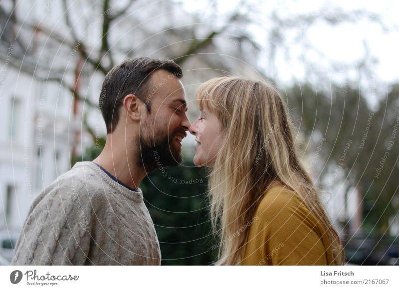 *nochmal Ferien & Urlaub & Reisen Junge Frau Jugendliche Junger Mann Paar Partner Erwachsene Leben 2 Mensch 18-30 Jahre Herbst Baum brünett blond langhaarig