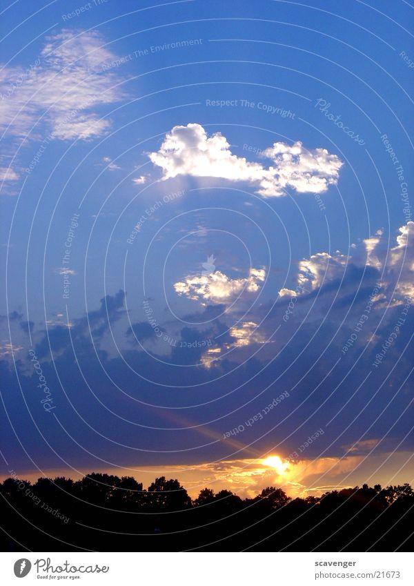 event horizon schön Himmel Baum Sonne blau rot ruhig schwarz Wolken Ferne dunkel hell Erde Beleuchtung Hintergrundbild
