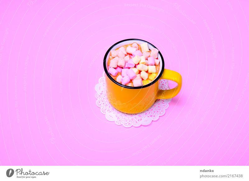 trinken und bunte Stücke Marshmallow Dessert Süßwaren Getränk Kakao Tasse frisch heiß lecker oben gelb rosa Becher Scheibe Top süß Lebensmittel aromatisch